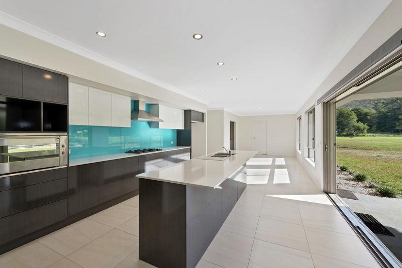 Valla real estate Sold
