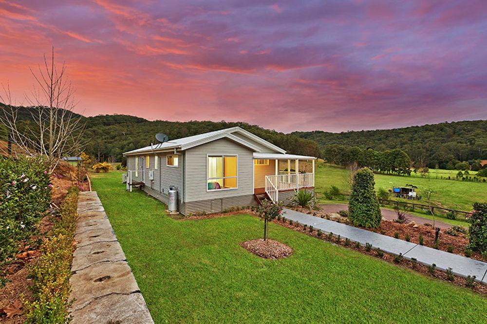 18 Robinvale Lane, Yarramalong, NSW 2259