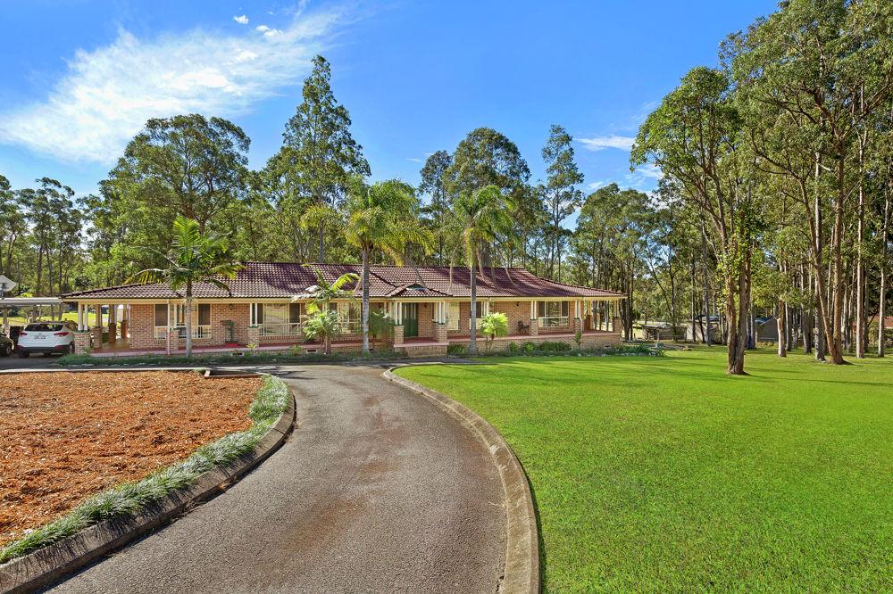 4 Burlington Avenue, Jilliby, NSW 2259