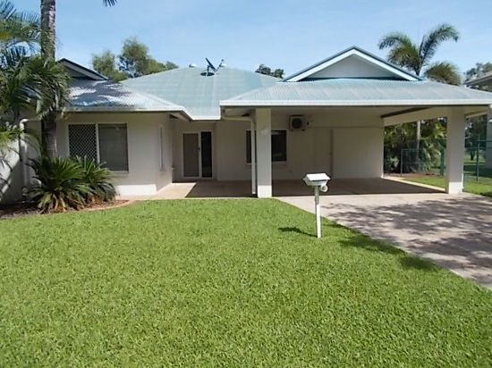 FOUR BEDROOM DURACK