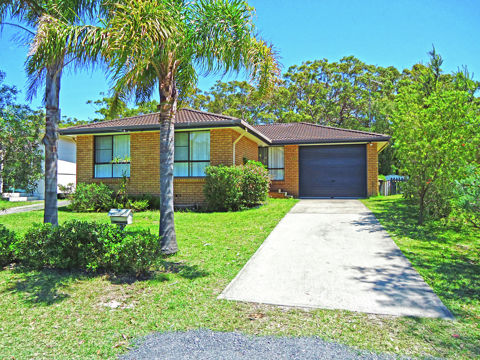 170 Queen Mary Street, Callala Beach, NSW 2540