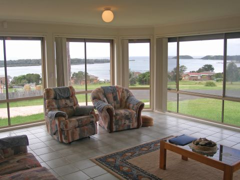 1 Orsova Parade, Orient Point, NSW 2540