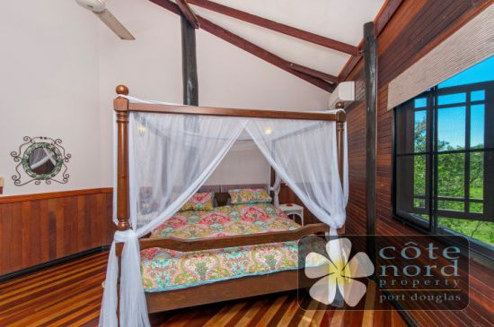 Charming main bedroom, airconditioned, WIR