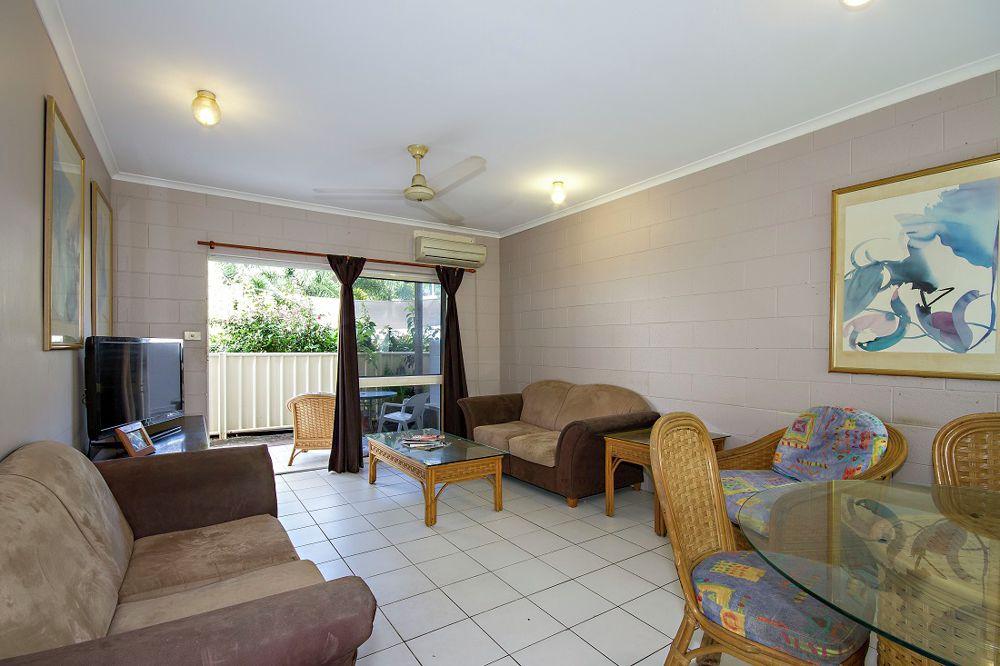 Spacious lounge dining area