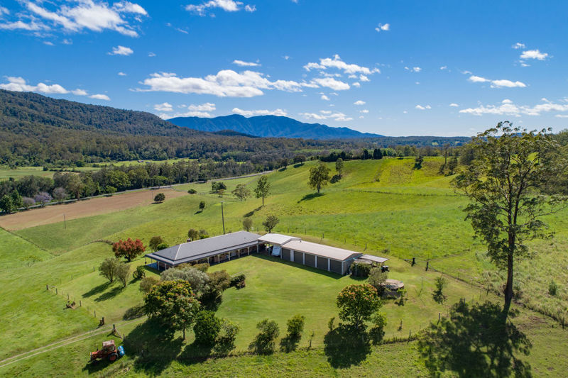 QUALITY HOMESTEAD WITH SPELLBINDING VIEWS