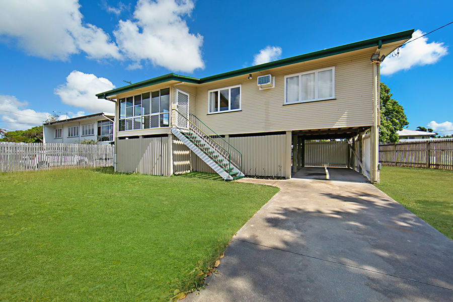 GREAT LOCATION - GREAT HIGH SET FAMILY HOME