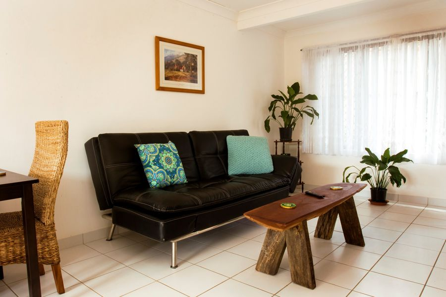 FULLY FURNISHED 2 BEDROOM TOWNHOUSE