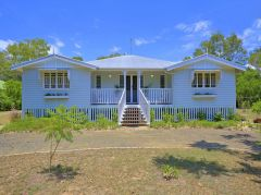 Property in Moore Park Beach - Sold