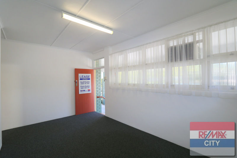 Property in Bardon - $450 PER WEEK PLUS GST