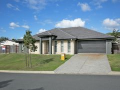 Property in Victoria Point - Offers Over $569,000