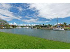 Property in Birkdale - 960,000