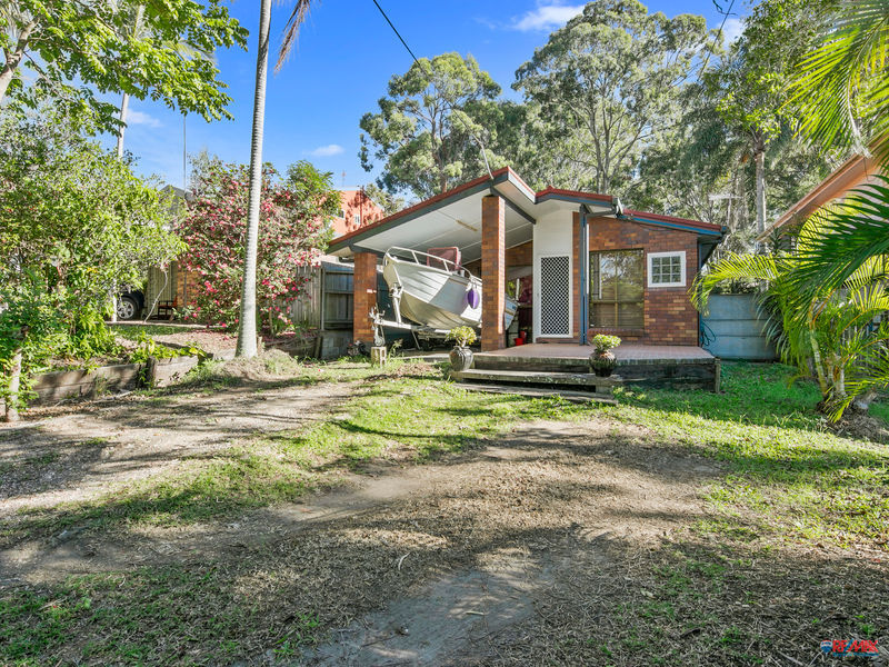 Property in Victoria Point - Serious offers over $429,000
