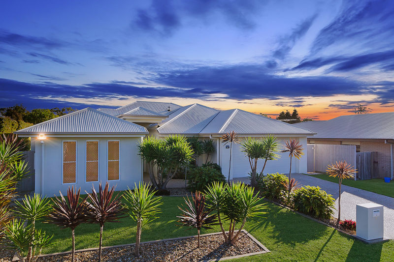 Property in Victoria Point - Offers Over $499,000 !!