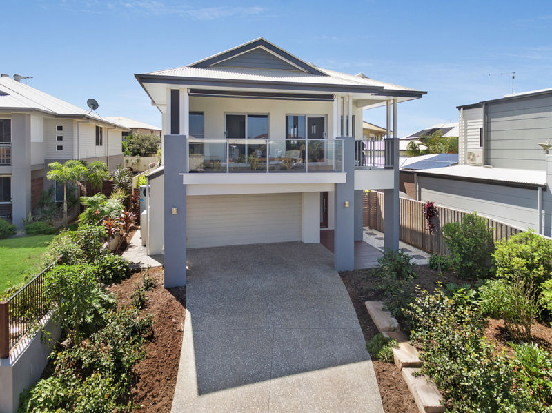 Property in Redland Bay - $780,000 Real Views - Ducted Air