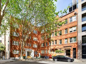 Property in Potts Point - $435pw