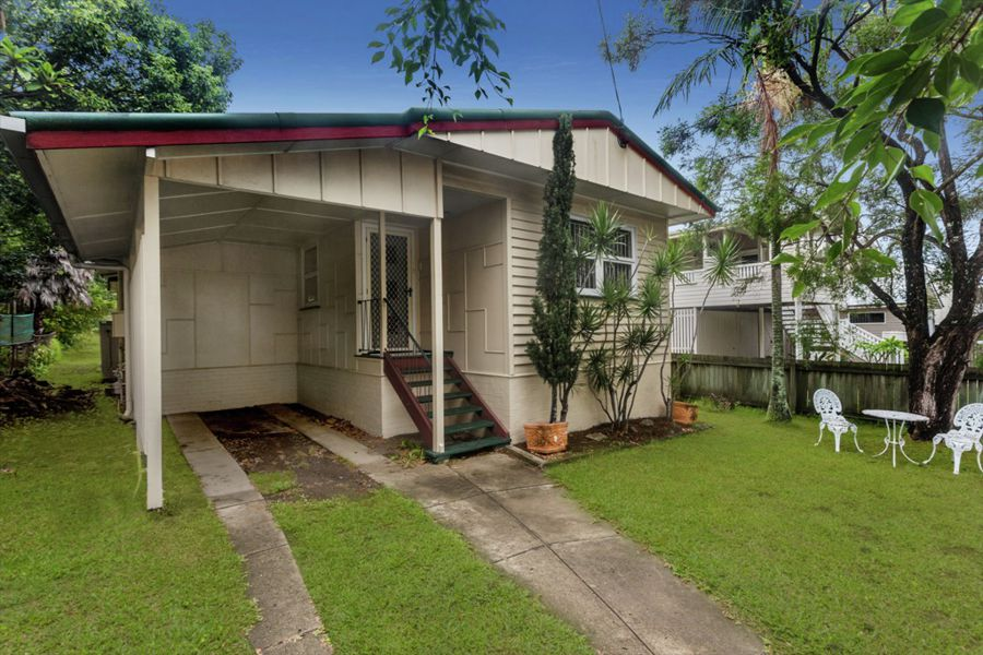 Property in Wooloowin - Sold for $655,000